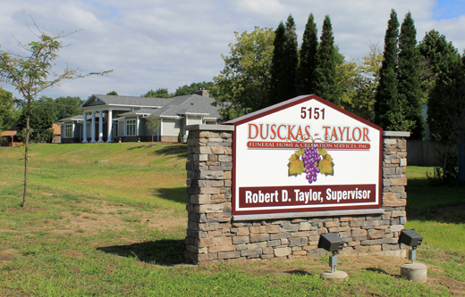 /Dusckas-TaylorFuneralHome/our-facilities/2014-09-14-035525.jpg
